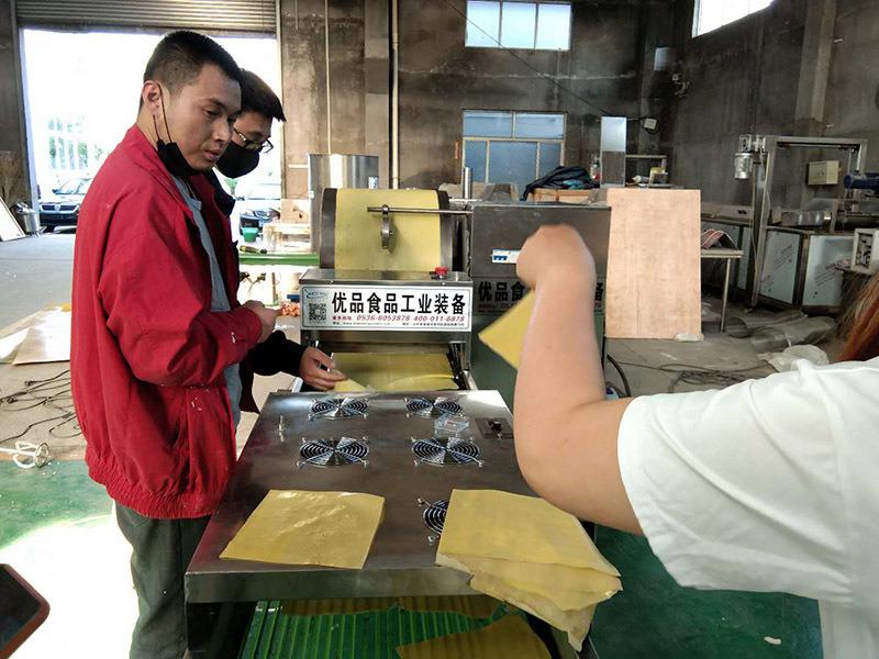 電磁加熱蛋皮機 千層蛋糕毛巾卷蛋皮生產機器