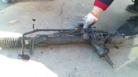 斯巴鲁森林人转向机漏油维修