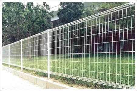 桃型柱防护网,三角折弯护栏网,桃型护栏