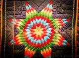 虎居商城浅析室内设计拼布艺术的艺术特征
