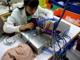 女士内衣钢圈自动插入机减轻体力插入钢圈