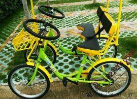 两人脚踩联排四轮自行车双人自行车