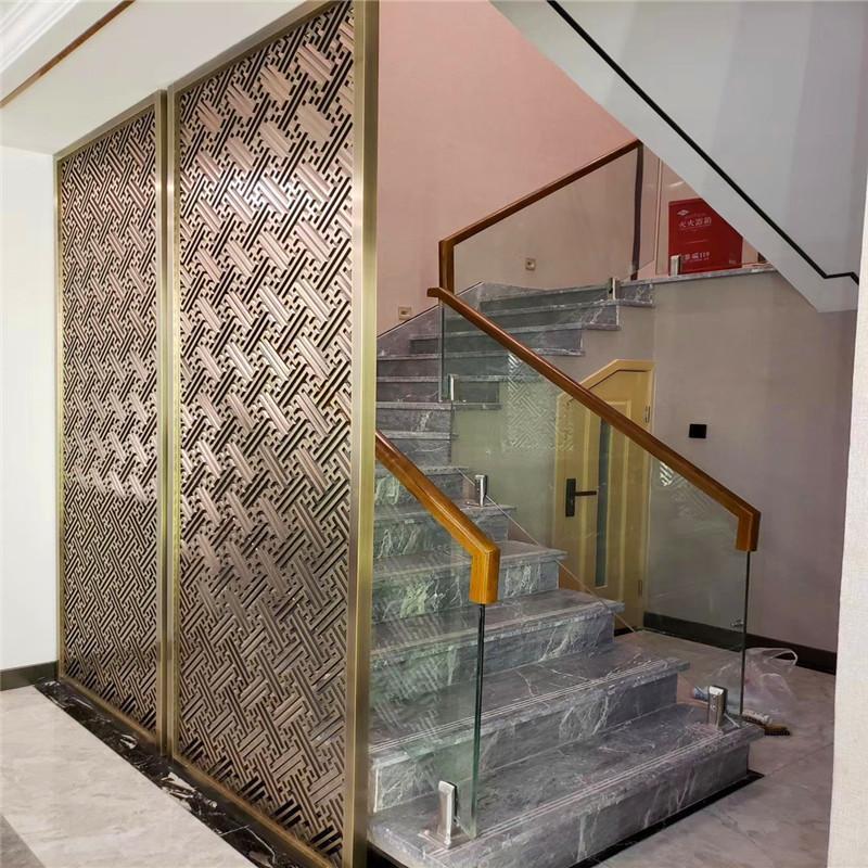 不锈钢酒店工程屏风安装制做加工铝雕镂空花格屏风玫瑰金隔断图片