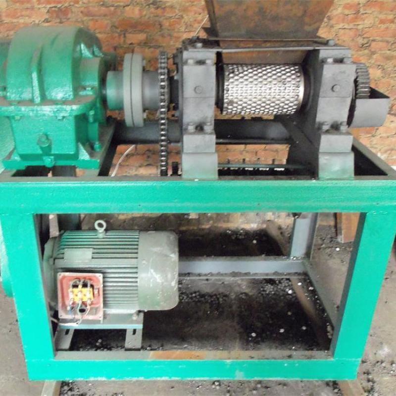 双轴对辊挤压造粒机机头辊皮配件工作原理