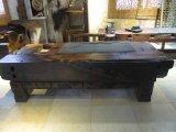 上海老船木茶桌老碼頭船木家具有限公司