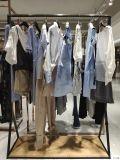 服装颜色搭配列表:服装色彩是感观的首选印象。