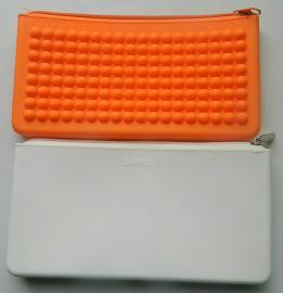 硅胶豆豆拉链包 手拿硅胶零钱包手机包 长款拉链钱包