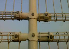 厂家直销公园护栏网绿色浸塑铁丝护栏网