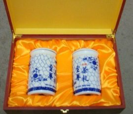 款陶瓷茶叶罐,景德镇茶叶罐,陶瓷罐子