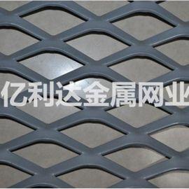 厂家直销100刀喷塑钢板网 浸塑钢板网  防护网  装饰网   脚踏网