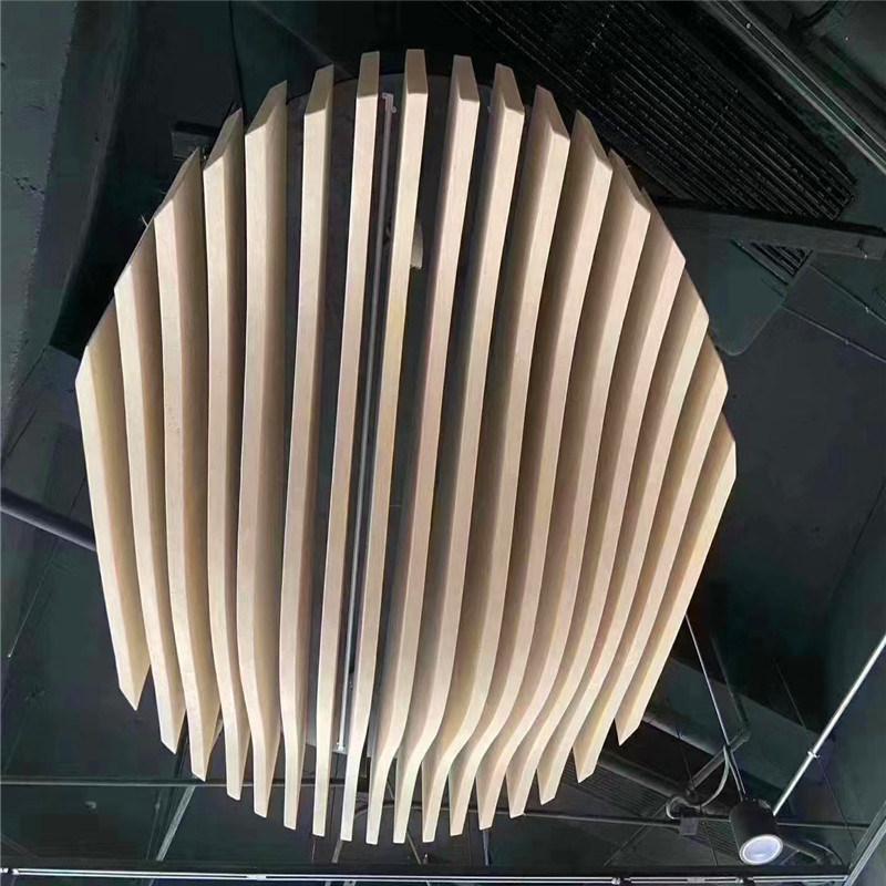 贸易中心铝方通造型吊顶 灯饰城木纹铝方通