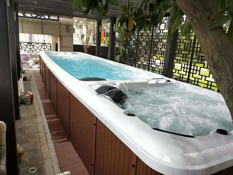 重庆私家别墅泳池-无边际恒温泳池-  养生泳池设备