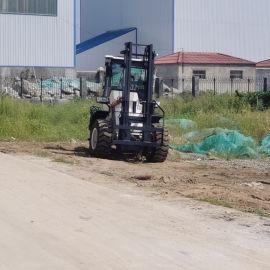 四驱越野叉车 一体式柴油叉车3吨自动堆高车 全新