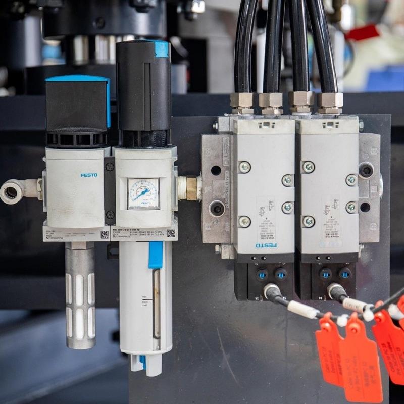 自动吹塑机,厂家提供全自动吹塑中空成型机