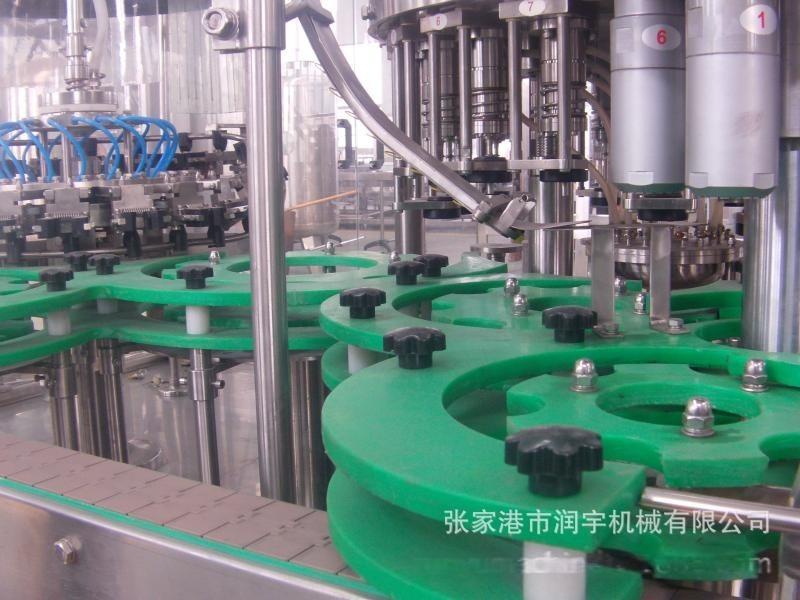 张家港市润宇机械果汁灌装机3合1,24头
