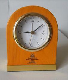重庆酒店用品 创意皮质 静音座钟时钟表懒人床头时钟 客房小闹钟