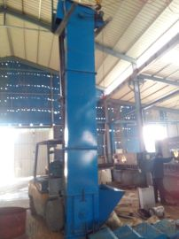 链式挖斗垂直提升机   垂直提升机结构产量