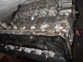 大众波罗汽车发动机总成,电脑板,中缸总成,车门总成等拆车件