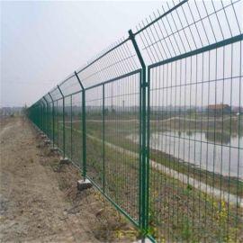 圈山防护网、农村改建网围栏、场地护栏网厂家