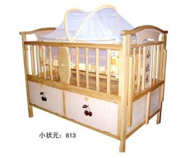 **多功能实木婴儿床 (813型)