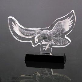 雄鹰展翅水晶纪念品 送给领导的办公室摆件 水晶深雕工艺品制作