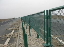 公路高架桥隔离防眩网 高速中间防眩安全网