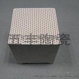 刚玉莫来石蜂窝陶瓷是一种**的耐火、耐磨产品,它具有膨胀均匀、热震稳定性**、荷重软化点高、高温蠕变值小、硬度大、抗化学腐蚀性好等特点。 应用范围:工业废气的净