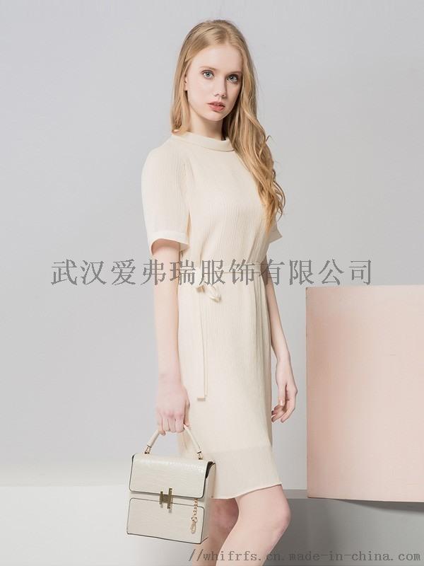 服装进货渠道网【现货】知恩短袖连衣裙
