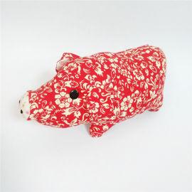 新年吉祥物毛绒玩具创意设计碎花布动物玩偶猪