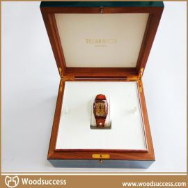 **的木制手表盒,礼品盒