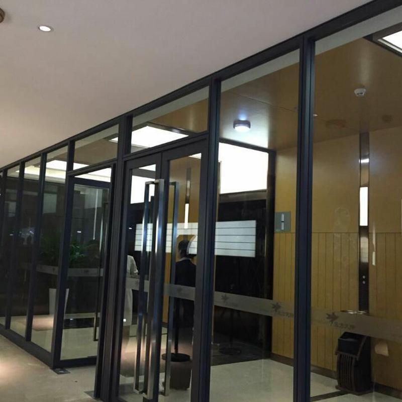 佛山办公隔断定制玻璃高隔断双玻百叶隔断墙