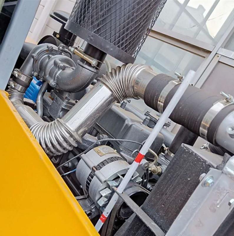 履带式翻堆机与槽式翻堆机使用范围