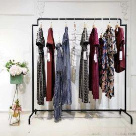 淘宝直播里品牌折扣衣服从哪弄得 蘑菇街直播卖衣服哪里拿货