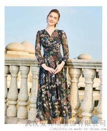 服装厂拿货多少件起富太系带五分袖长裙