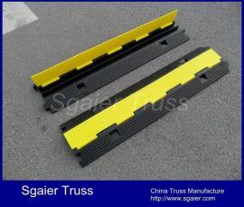橡胶线槽板 二线槽减速带 舞台铺线板 橡胶穿线板电线 交通设
