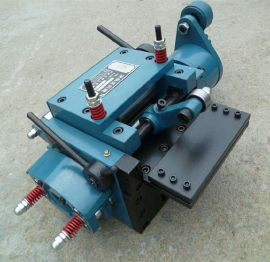 杰达机械RFS伺服高速滚轮送料机冲床周边设备送料机