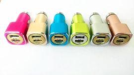 车载充电器 双USB接口2.1A 1A 厂家直供