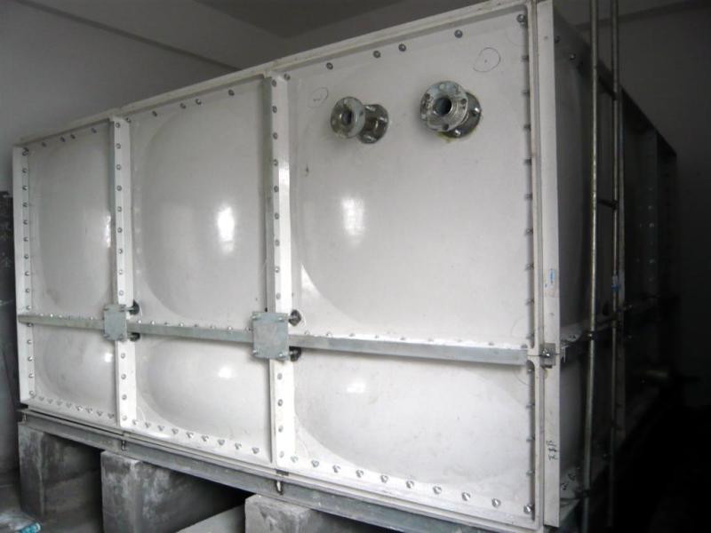 玻璃钢隐藏水箱方形组合式水箱安装方法