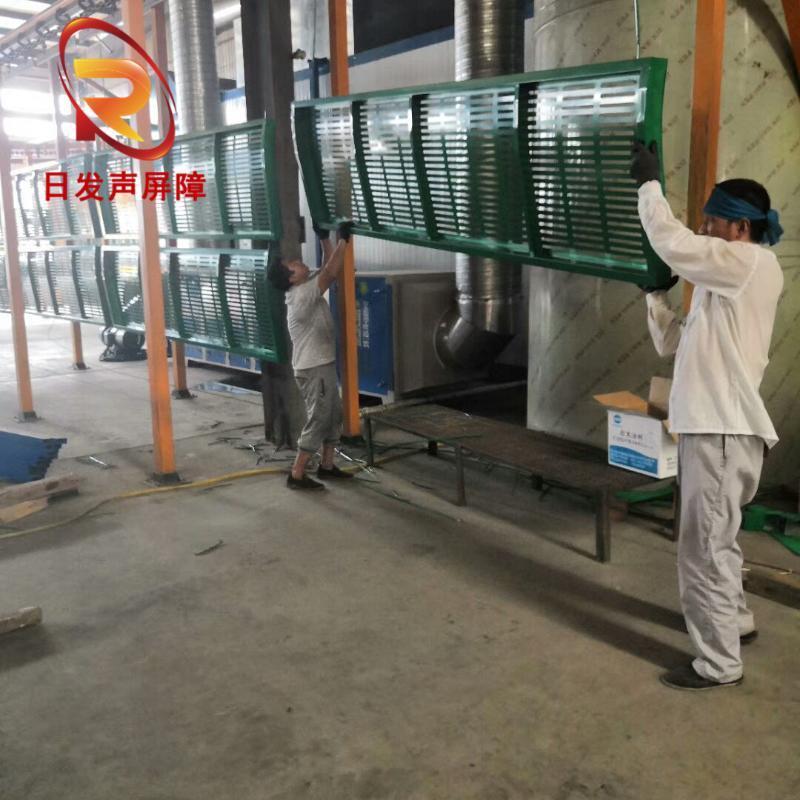 厂家销售金属建材产品声屏障框架彩钢屏障板吸音板屏体