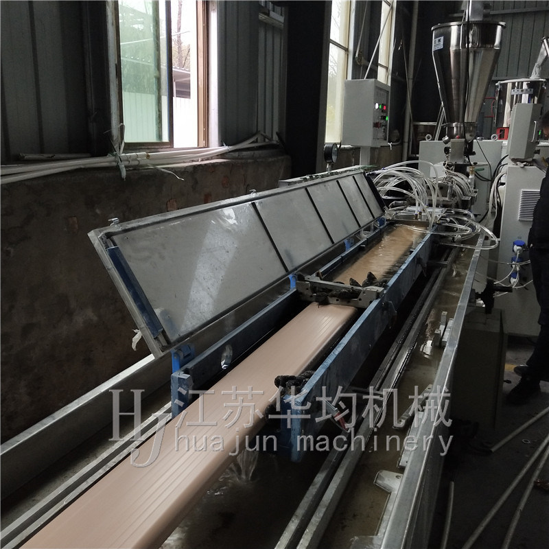PVC新风扁管生产线设备机器