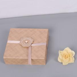 礼物盒生产厂家 冠琳包装纸盒样式