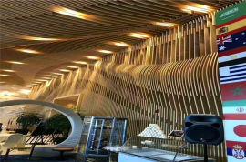 复古天花造型铝方通 不规则木纹铝方通吊顶特点