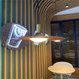 厦门木纹弧形铝方通   娱乐场所铝方通吊顶造型