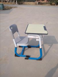 批发本地课桌椅学生课桌学校桌椅低价促销