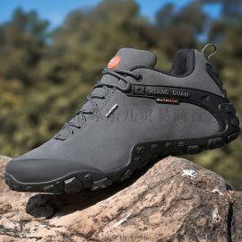 新底81285升级版情侣款徒步登山鞋