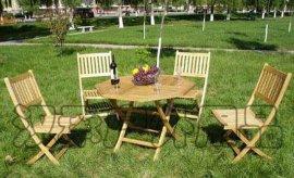 庭院折叠实木桌椅