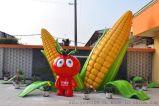 廣東玻璃鋼廠家推出新品種番茄卡通人物雕塑工藝品