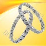 德利鑫DLXZZ银色磁石不锈钢手链心形欧美女式钛钢保健抗疲劳防辐射手链喷砂加工厂家批发