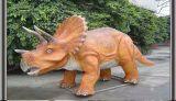 公园展出仿真恐龙