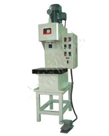 厂家直销四柱液压机/无锡大帝液压机械有限公司